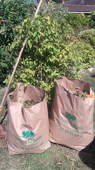 Du nouveau dans la distribution des sacs à déchets verts