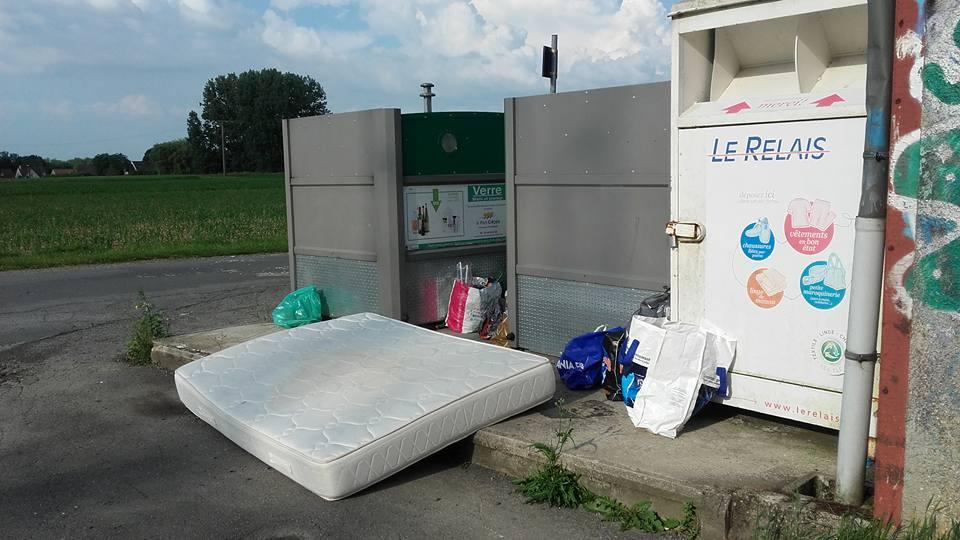 NON aux dépôts sauvages de déchets sur notre commune !